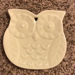 Ceramic pale green owl jewelry or trinkets dish
